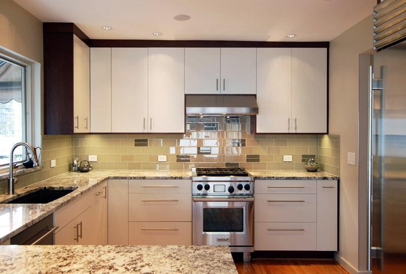 Mẫu tủ bếp đẹp hình chữ U